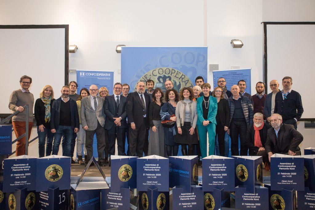 foto di gruppo - eletti al Consiglio interprovinciale di Confcooperative Piemonte Nord