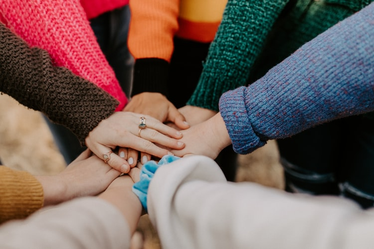 cooperativa raggio - mani tutti per uno